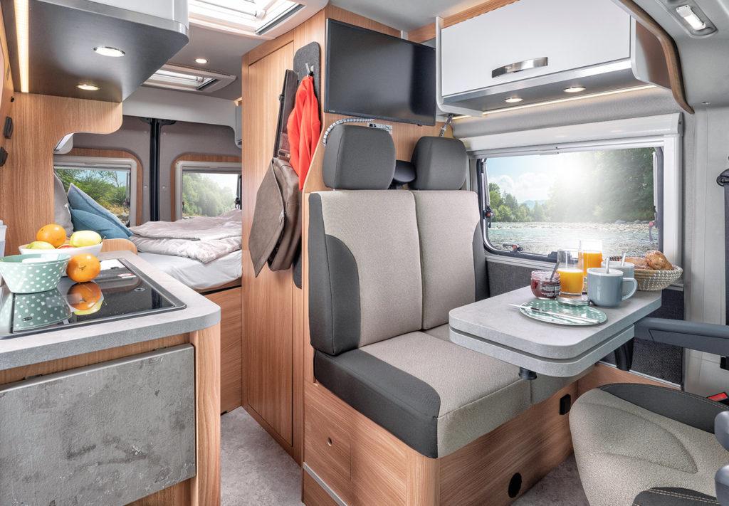 09-ktg-weinsberg-2018-2019-caratour-interieur-durchschuss-9764-HR-rz
